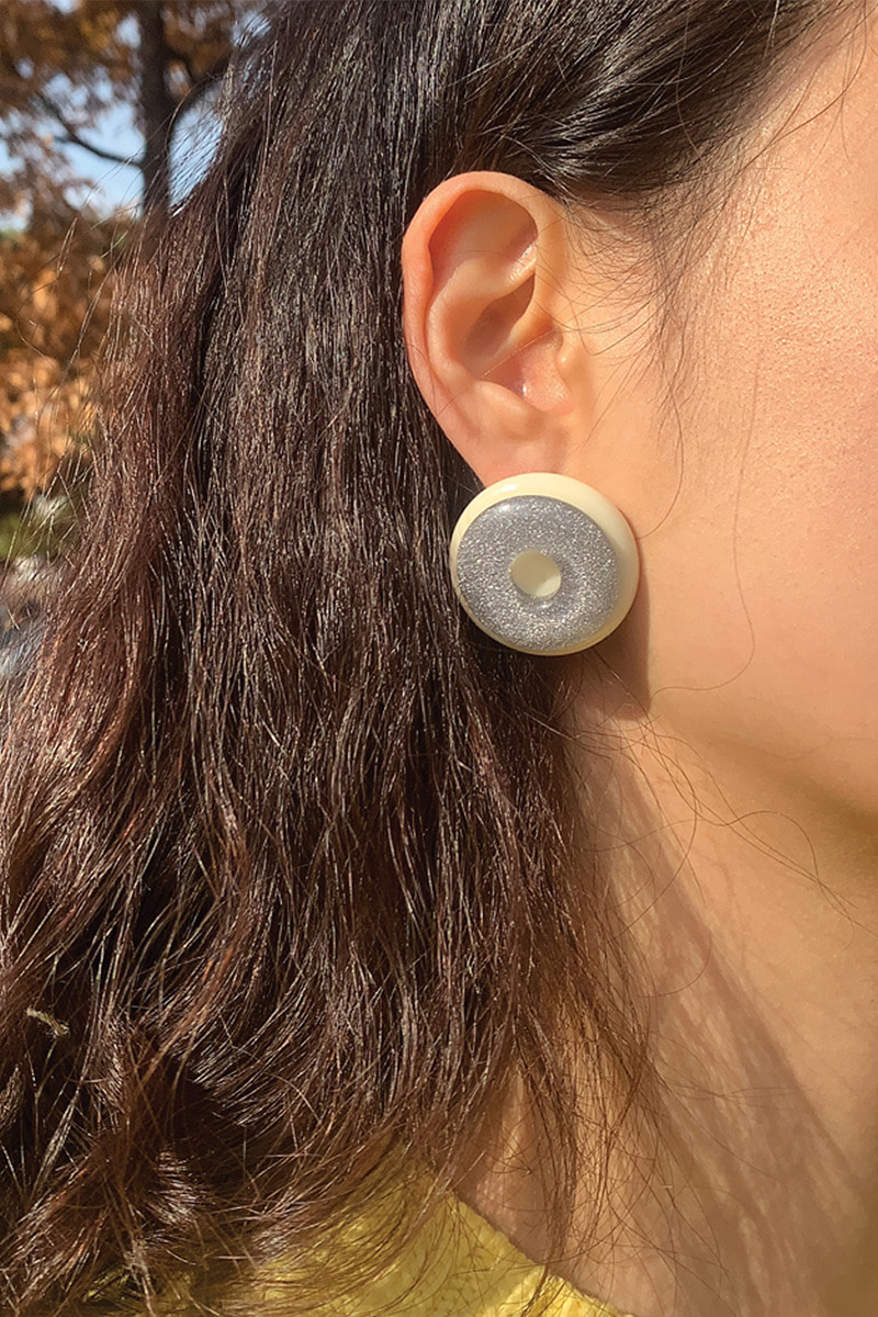Doughnut Earring (2 Color)